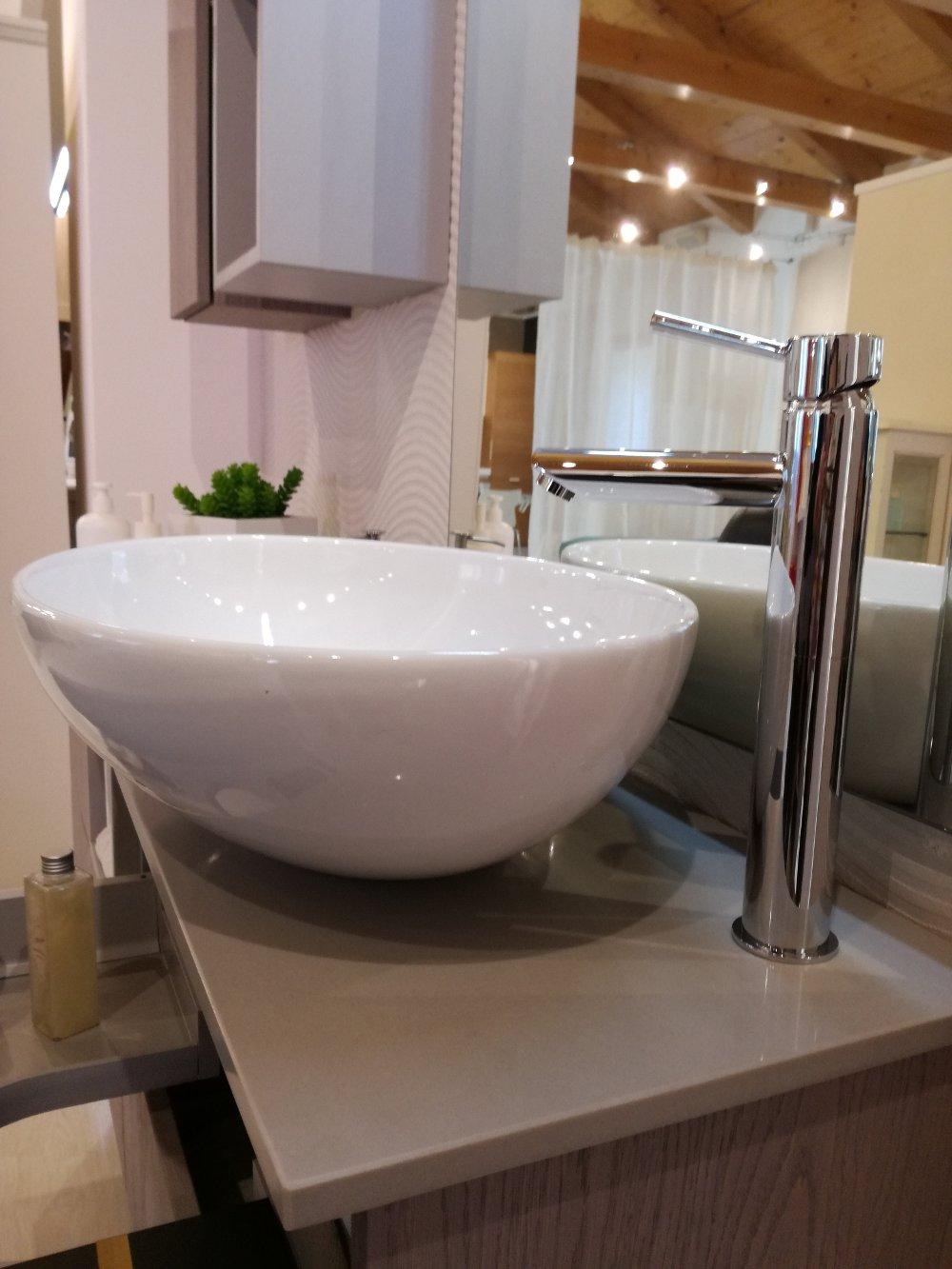 Bagno moderno kondor effetto legno - Miscelatore bagno moderno ...