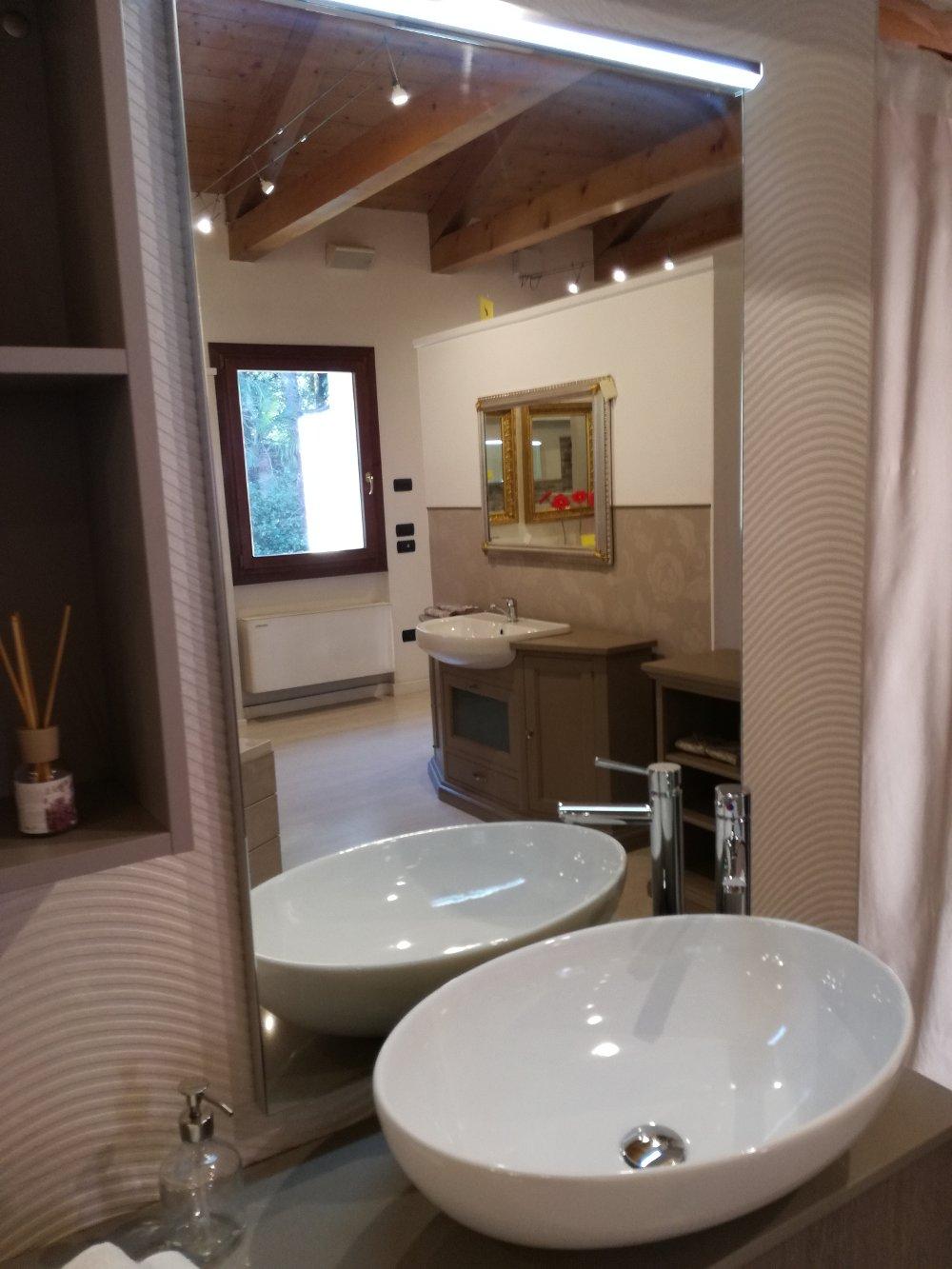 Bagno moderno kondor effetto legno - Specchiera bagno legno ...