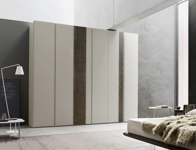 Armadio con ante battenti a fasce verticali modello Suite da Paola Elisa Mobili