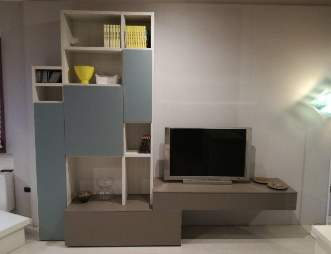 composizione living e porta tv colori di tendenza