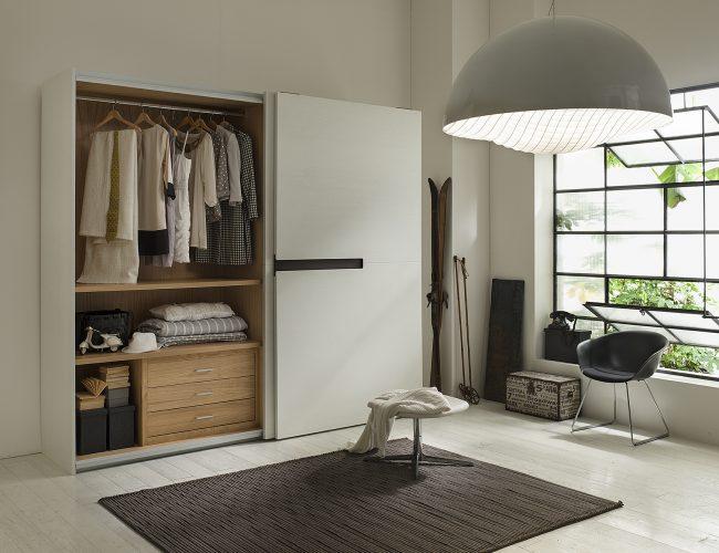 armadio moderno in legno particolare