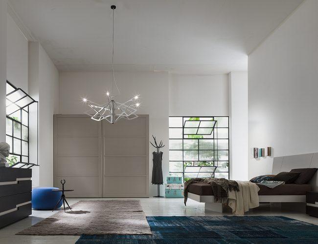 camera moderna artigianale in legno bicolore