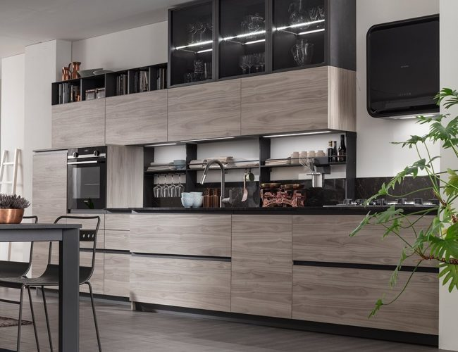 cucina effetto legno colore smoke con gole antracite modello Twin di Arrex