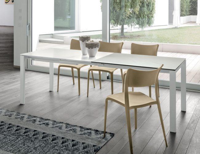 tavoli allungabili di piccole dimensioni adatti ad ambienti ristretti