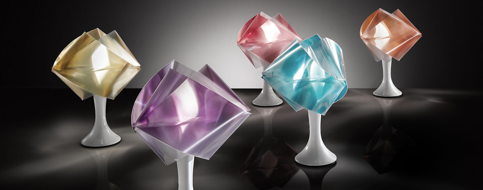 Lampada da tavolo modello Gemmy di Slamp in vari colori