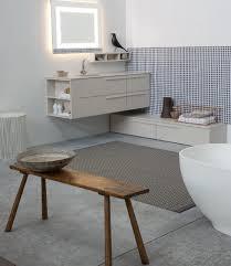 arredare il bagno con mobile ad ngolo