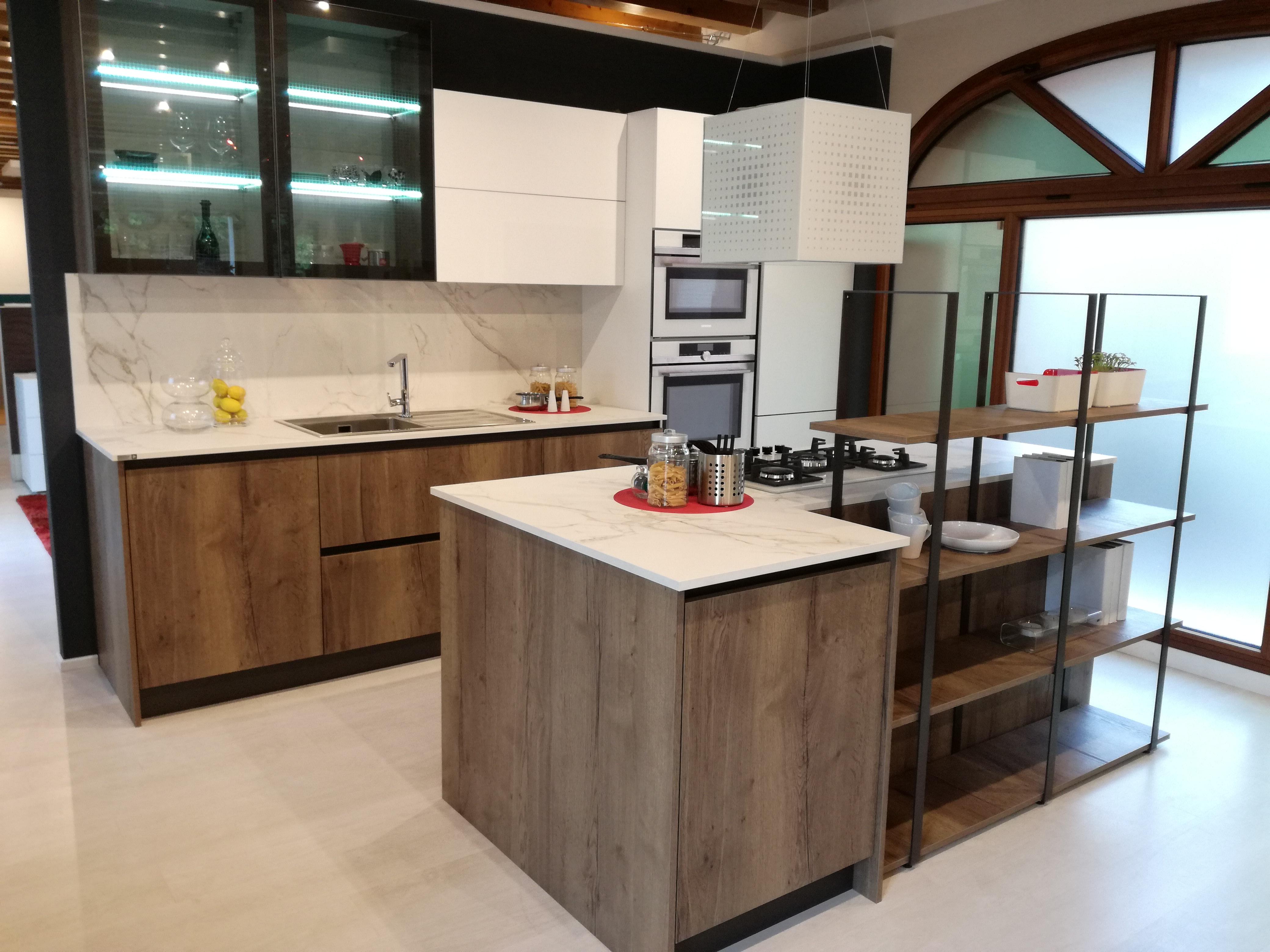 cucina dal design industriale. Modelli Iside e Atlanta di Arrex cucine