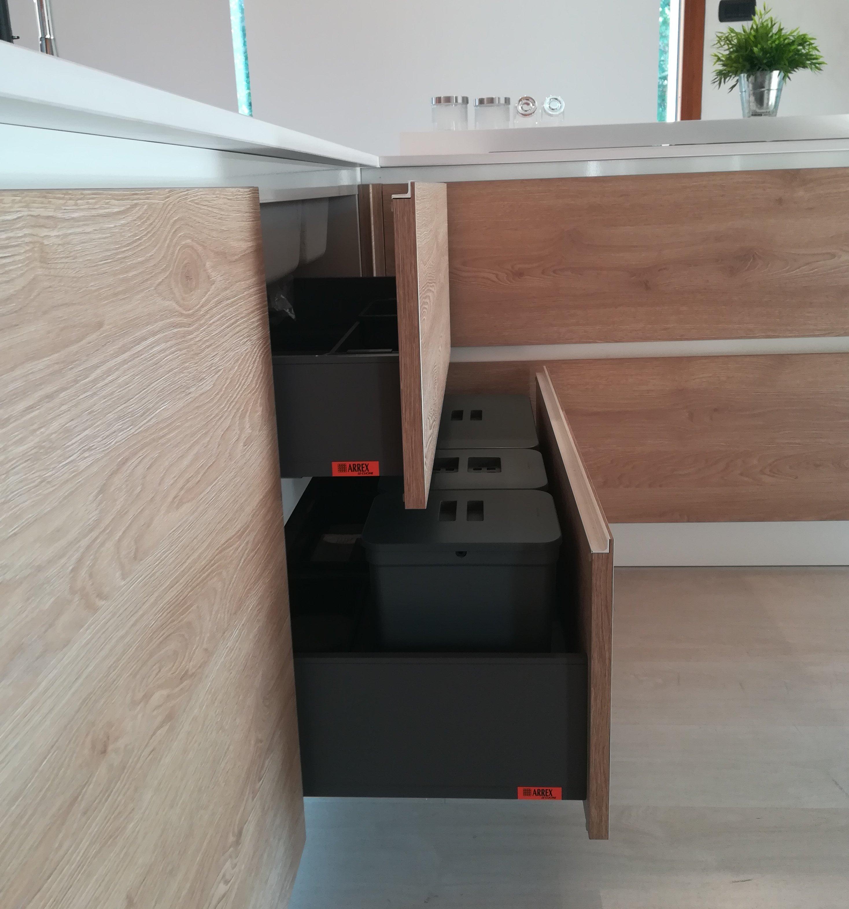 raccolta differenziata in cucina paola elisa mobili