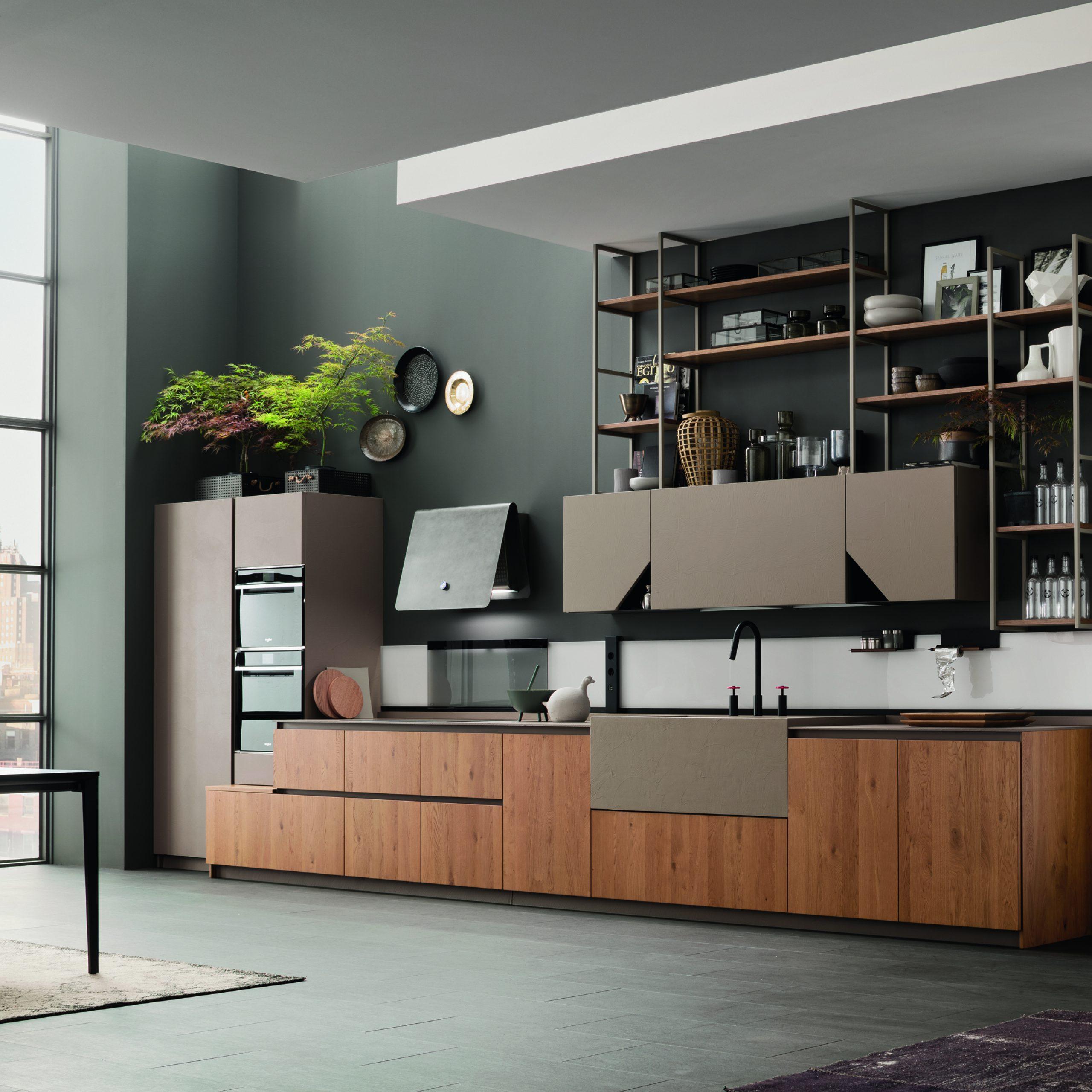 cucina design industriale con libreria a soffitto