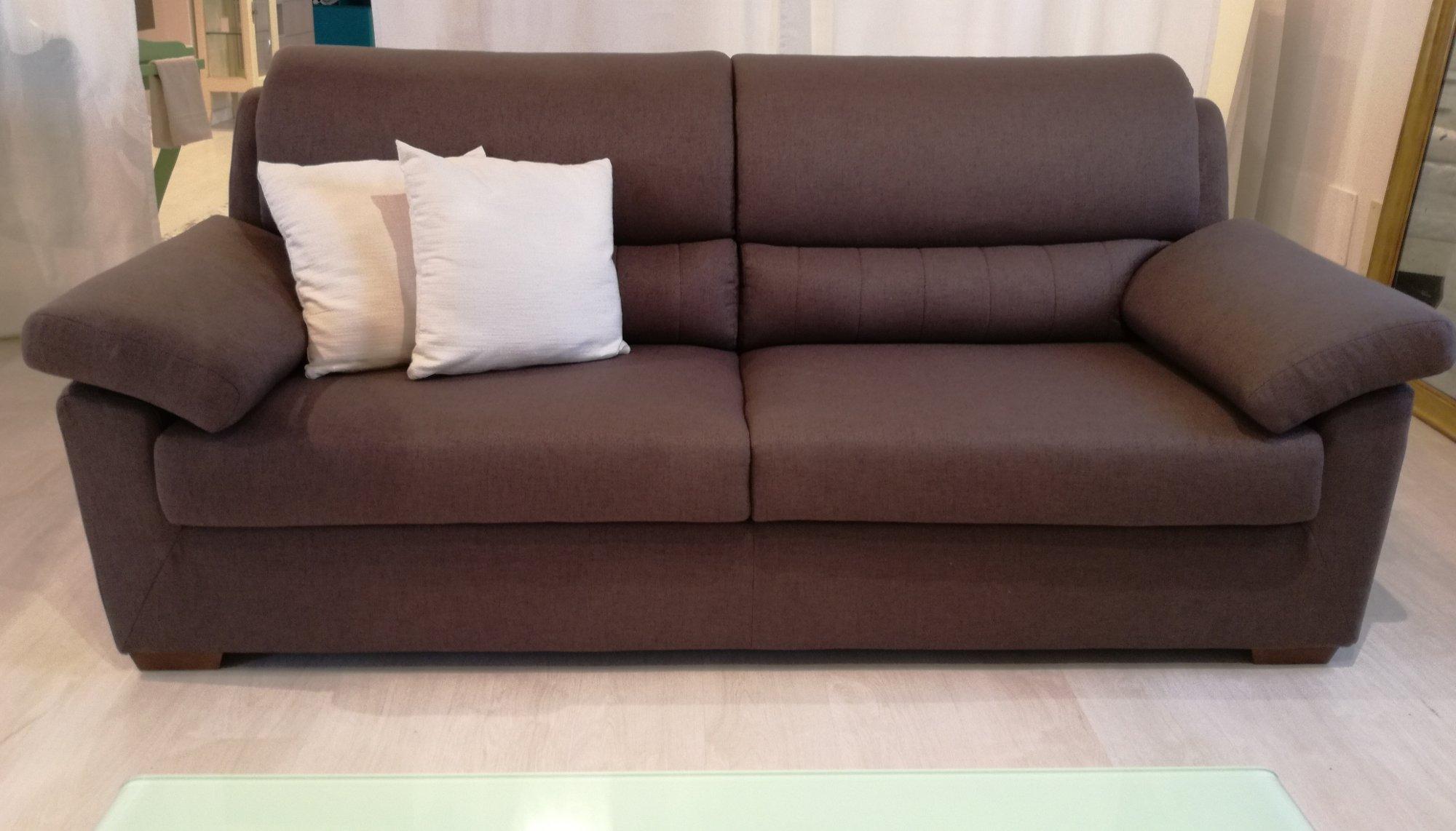 divano 3 posti in tessuto