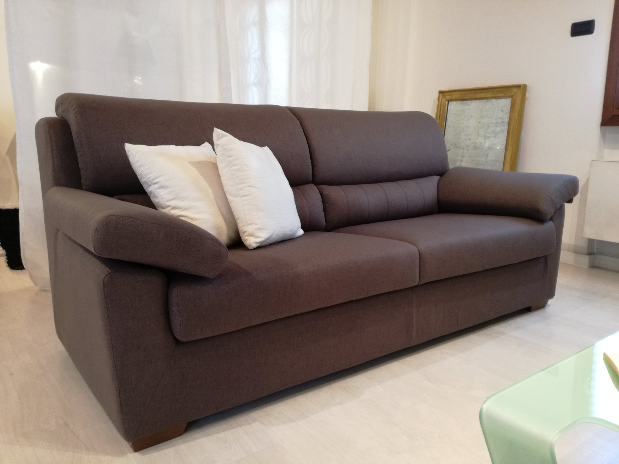 divano aron in tessuto sfoderabile color cioccolato