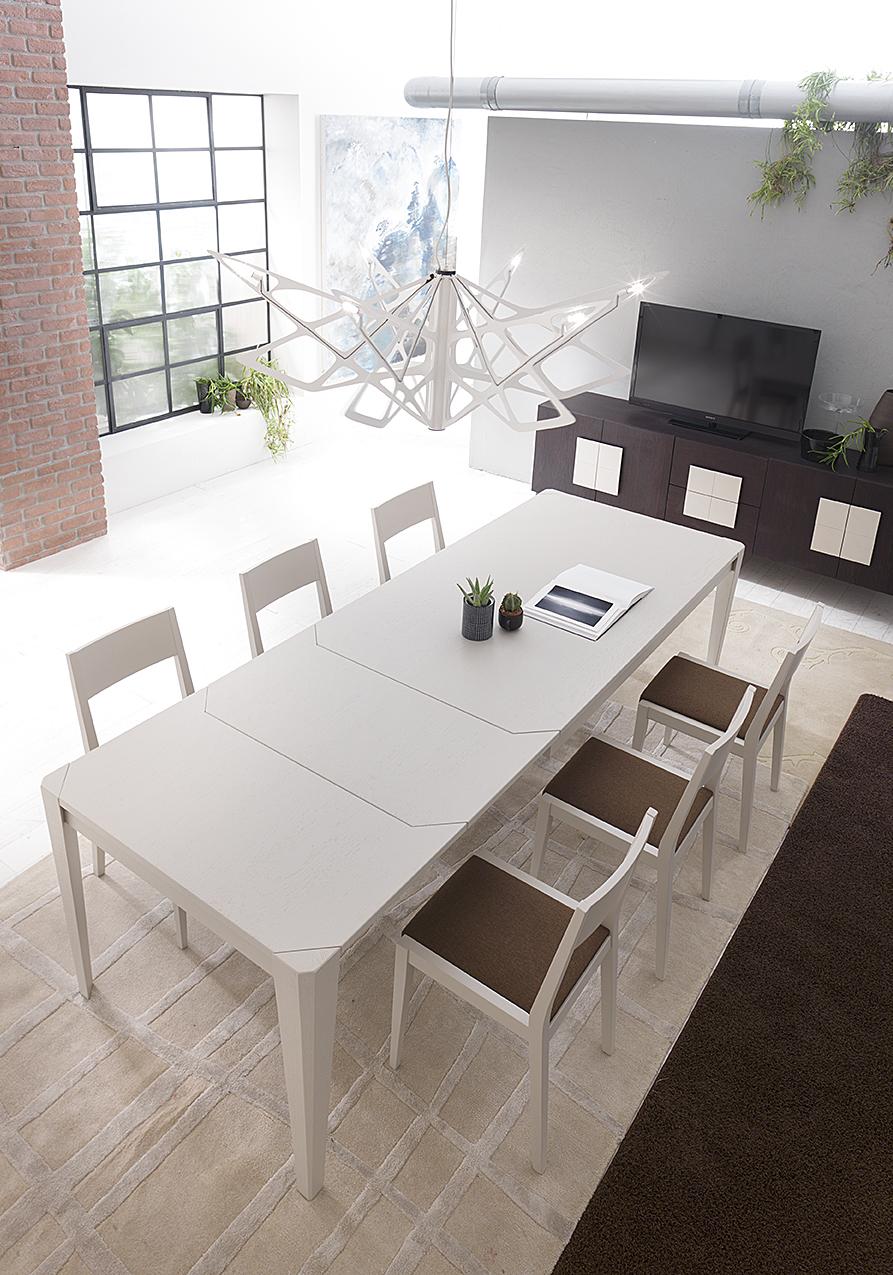 Tavolo moderno allungabile in legno bianco