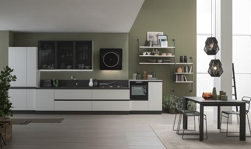 Cucina lineare colore chiaro con gole antracite Modello Lab metal