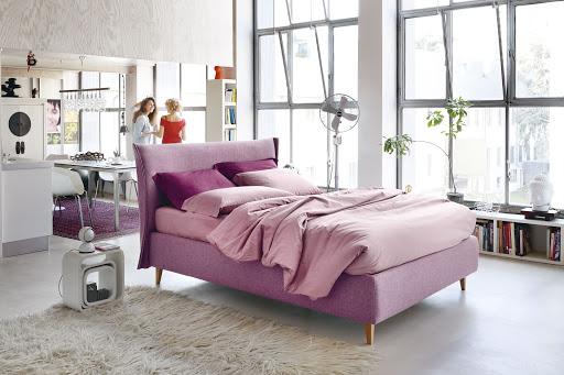 letto imbottito tessuto rosa modello Osaka