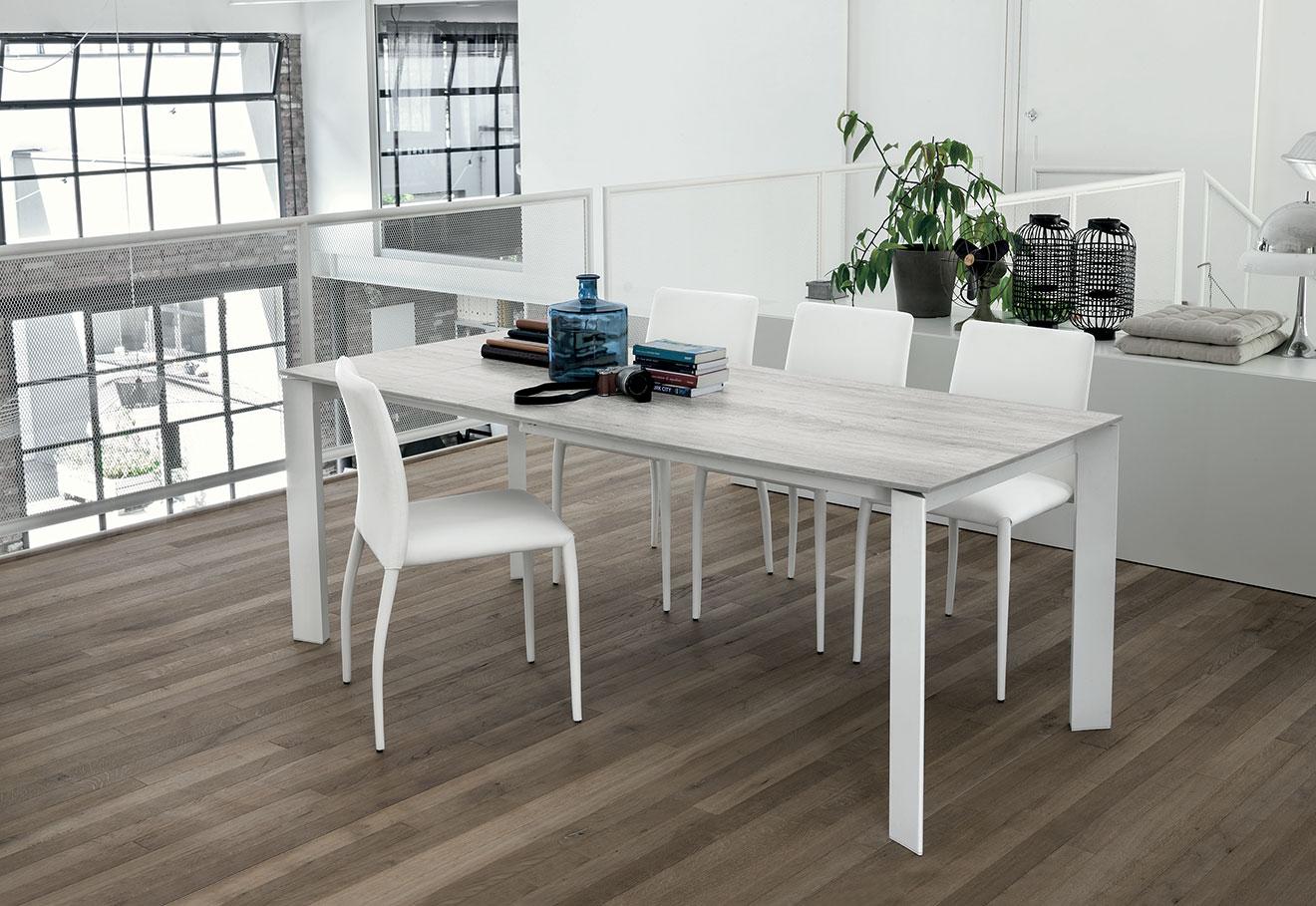 Tavolo Saturno gambe bianche e top effetto legno rusticho bianco