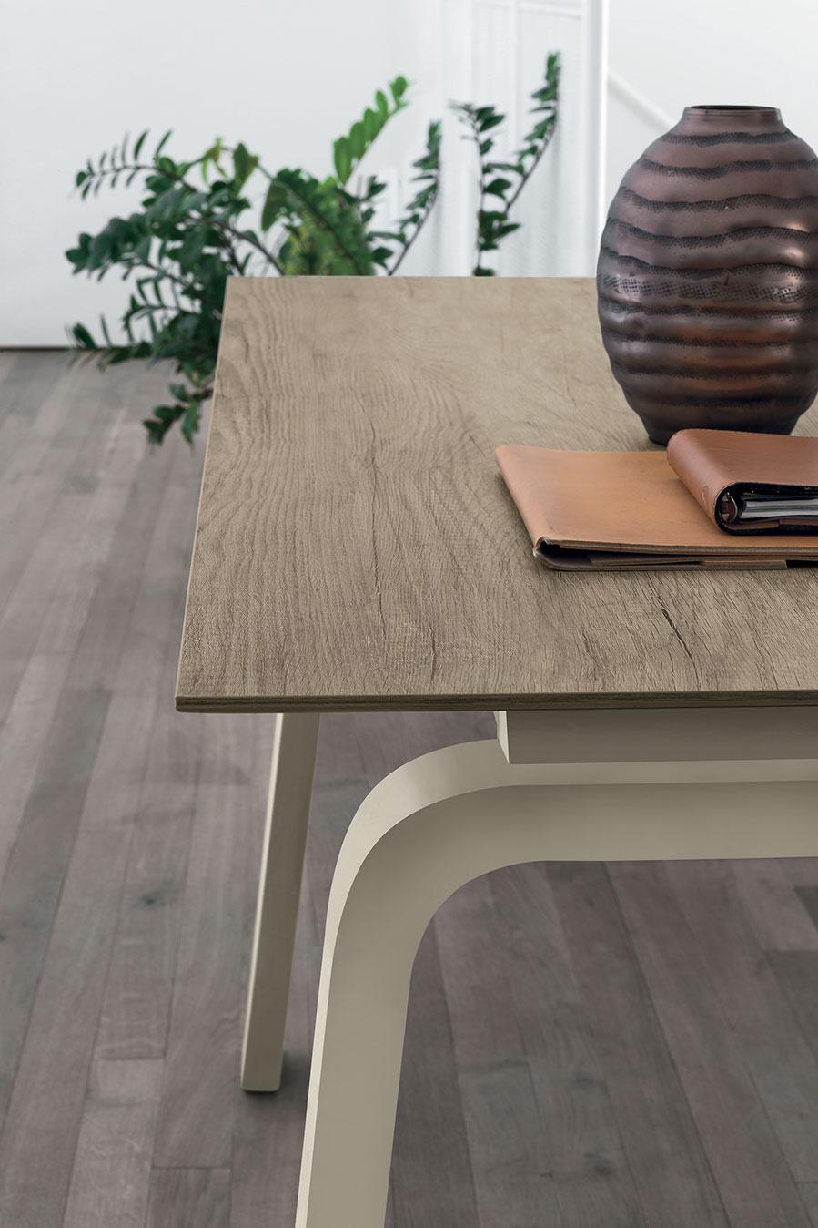 tavolo allungabile base corda e top effetto legno